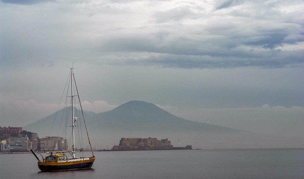 NAPOLI: Herfra starter reisen ut til Ischia.