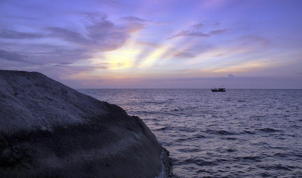 FARGESPILL: Ingen solnedgang over Koh Tao er lik.