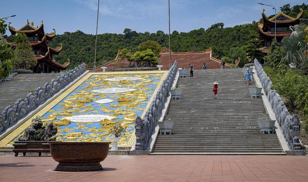 KOMPLEKS: Nguyen Trung Truc-tempelet er en imponerende konstruksjon.