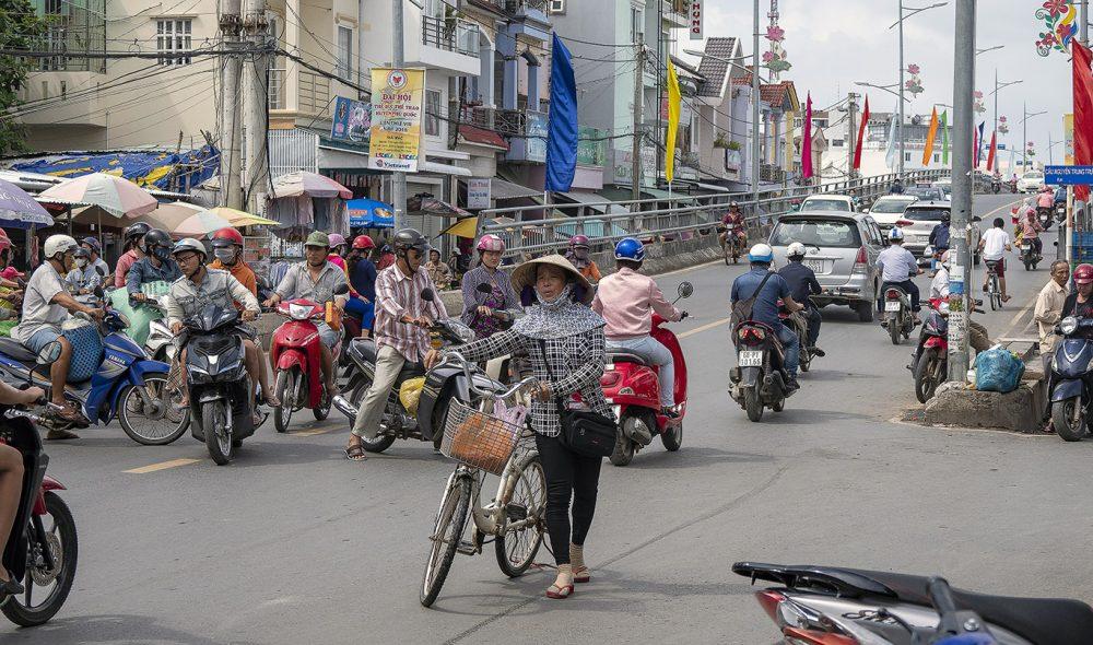 TRAFIKK: Det er blitt mer trafikk med årene i den lille storbyen Phu Quoc.