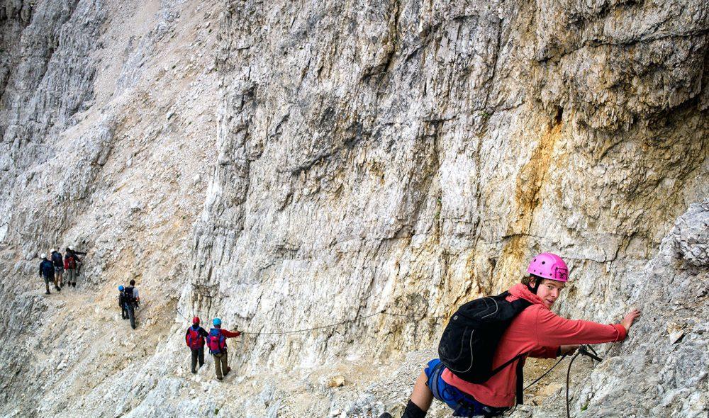 BRATT: I Monte Cristallo er det tidvis tøft å forsere det ofte stup bratte fjellet.