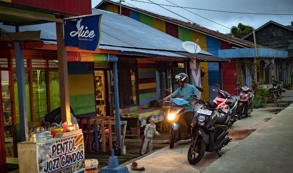 TOHJULING: Scooteren er et viktig transportmiddel i denne delen av verden.
