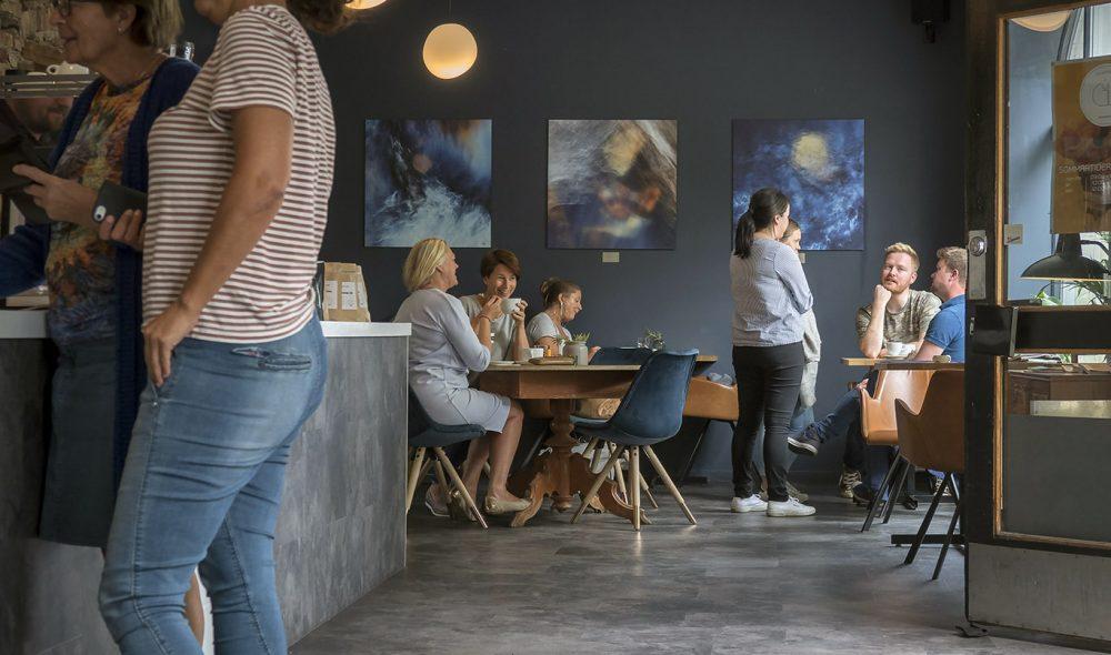KAFÉLIV: Det er flere gode spisesteder og kaféer i Gjøvik sentrum.