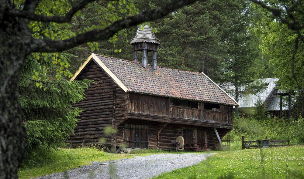 I FRILUFT: Eiketunet kulturhistoriske museum troner over Gjøvik og er fullt av historie.