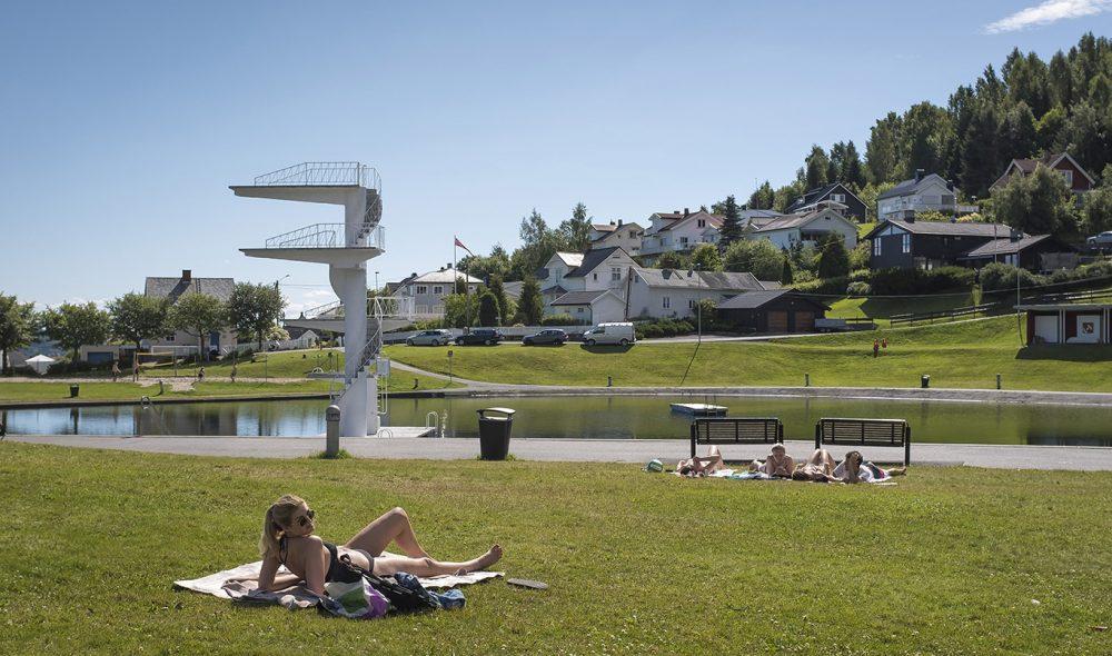 STUPETÅRN: Fastland Friluftsbad er blant Gjøviks beste sommerattraksjoner.