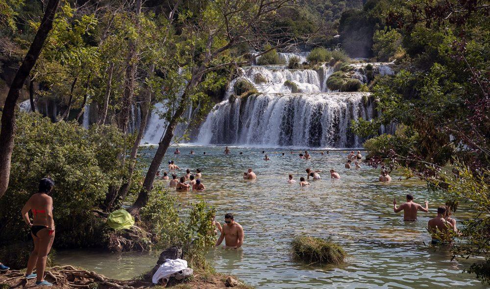 BESKYTTET: Fossefall i Krka nasjonalpark ved Skradinski buk. Elven den henter navnet sitt fra har sitt utspring i Bosnia-Hercegovina.