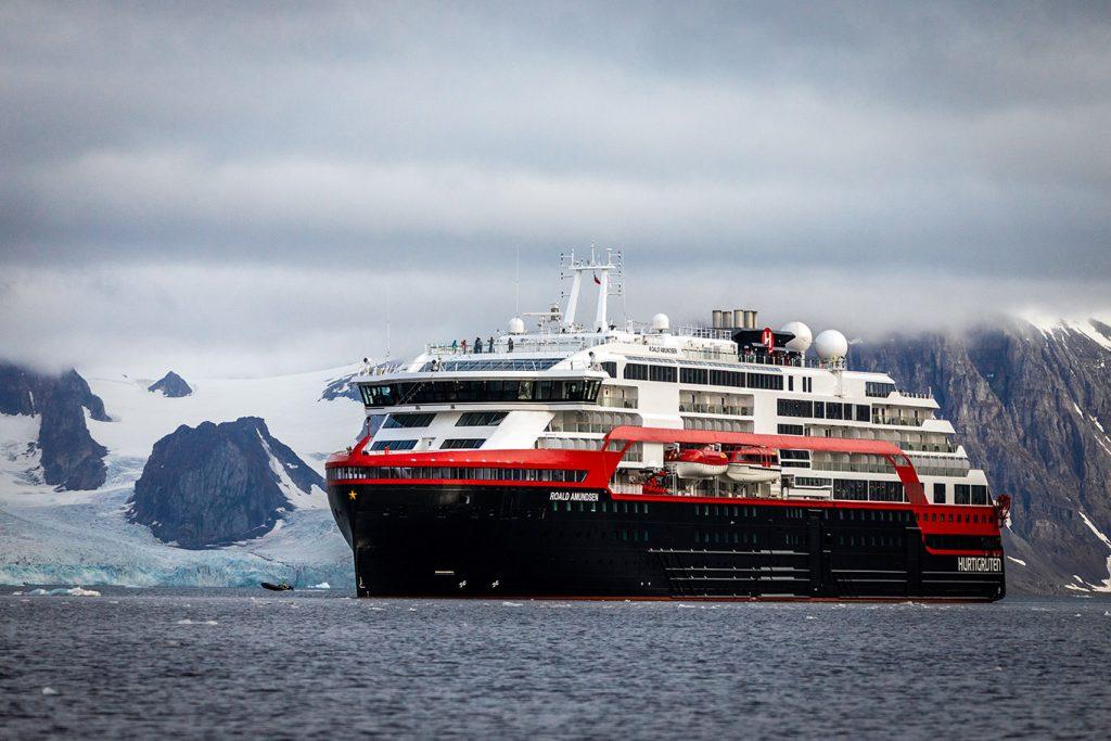 Corona Hurtigruten