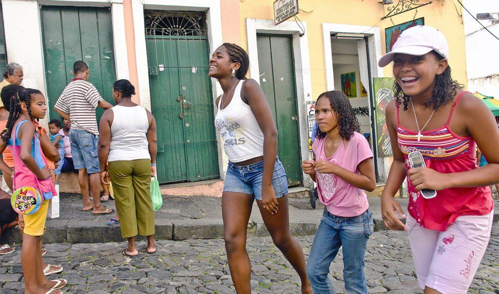 FOLKELIV: Brasilianerne er lett å komme i kontakt med.