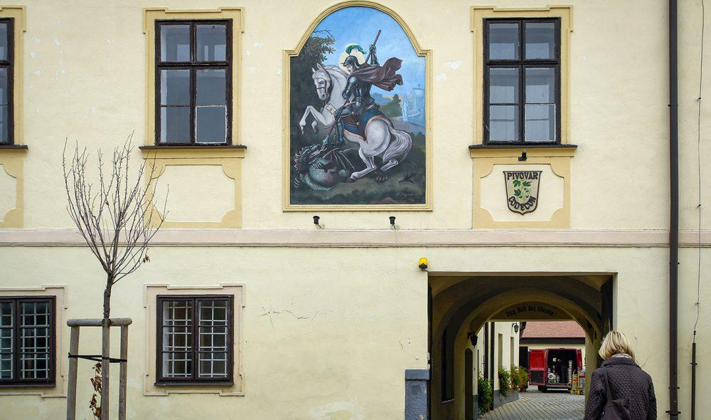 KLOSTER: Inngangen til klosteret Pivotar Codecon.
