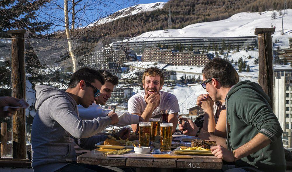 UTEPILS: Ganske tidlig på vinteren kan du pilse utendørs i de italienske alpene.