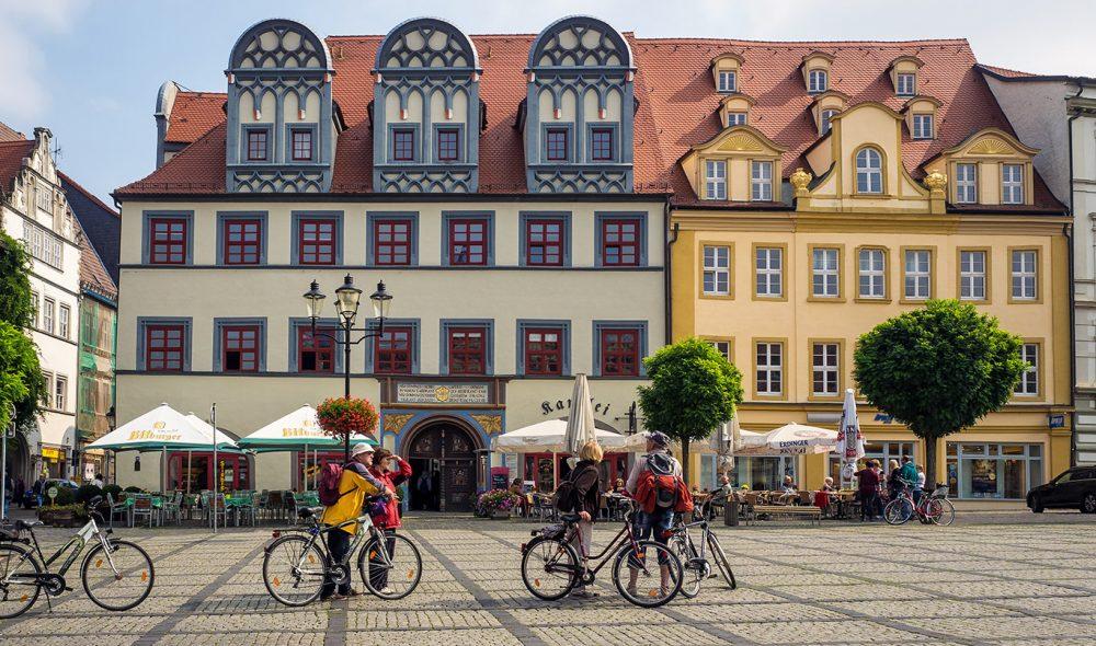 MONUMENTAL: Der Freyburg er koselig og intim er Naumburg mer monumental og storslått. I middelalderen var den en sentral handelsby i hjertet av Tyskland.