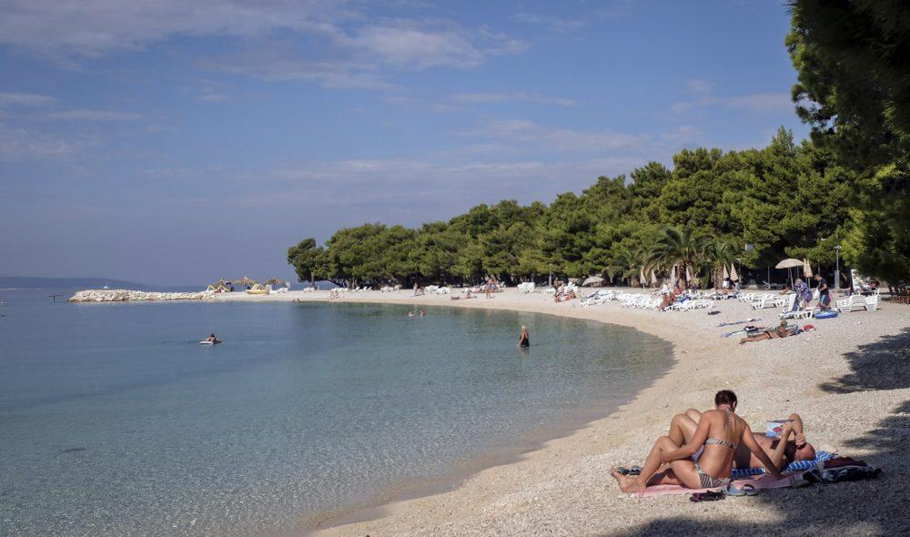 STRANDLIV: Makarska-rivieraen er Kroatias mest kjente i sitt slag, med flere fine, mindre badeviker.